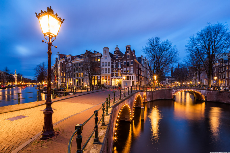 Lamp-at-the-canals-2736x1824.jpg