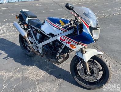 Honda VFR400R NC24 (EZ) on IMA