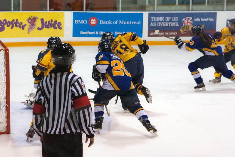 20130310 QWHockeyvsUBC 508.jpg