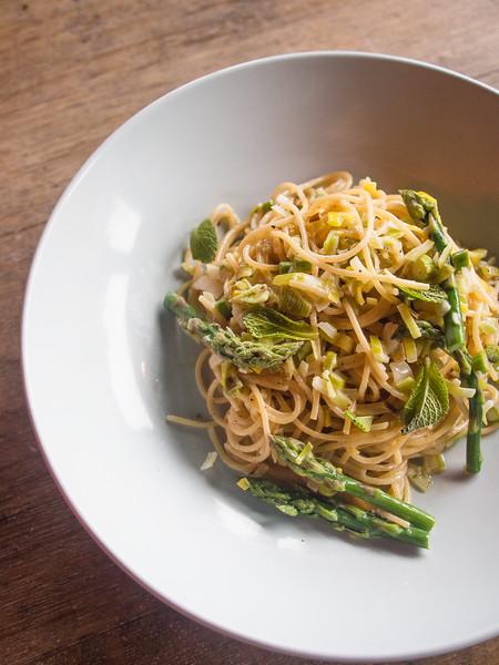 asparagus pasta on barrel.jpg