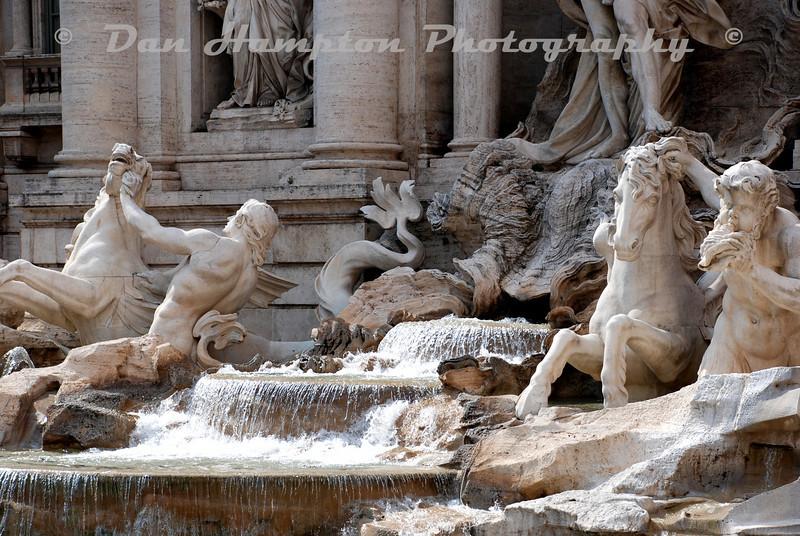 Trevi_Fountain (4).jpg