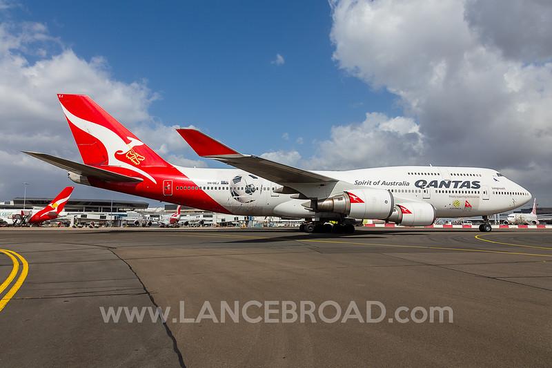 Qantas 747-400ER - VH-OEJ - SYD
