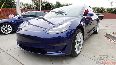 Tesla Model 3 - Deep Blue Metallic 4