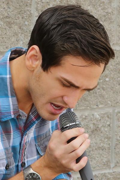 15 08 23 Aaron Kelly Performs at Mason's Hope