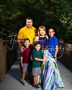Lozano Family f19