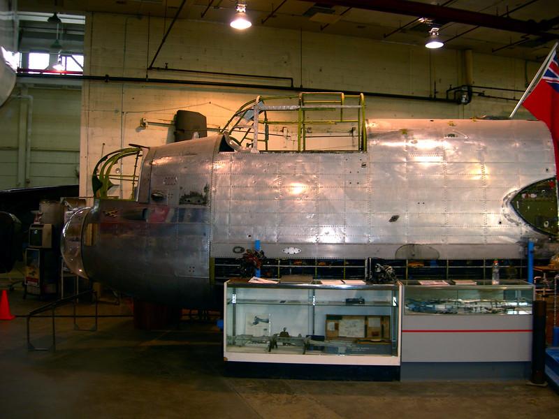 Lancaster Mark X, FM 104