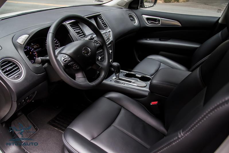 NissanPathfinderSL_White_XXXXXXX_Logo_TuroReady-8345.jpg