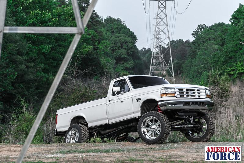 SDP-Kreg-O'Hara-White-1997-Ford-F250-24x12-Legend-@streetdieselperformance-170429-DSC05903-57.jpg