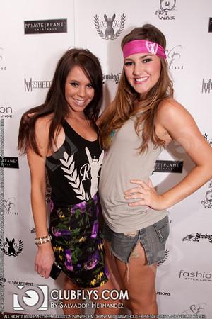 2010-04-22 [Fashion Style Lounge, Tower District, Fresno, CA]