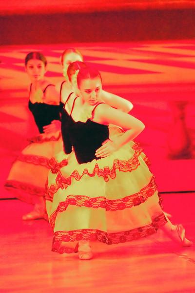 livie_dance_051714_05.jpg