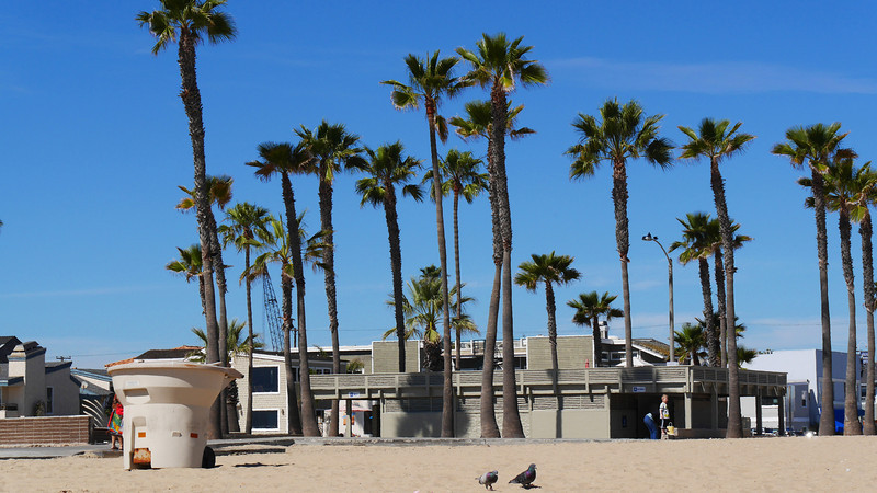 Beach front facilities at 15th Street.