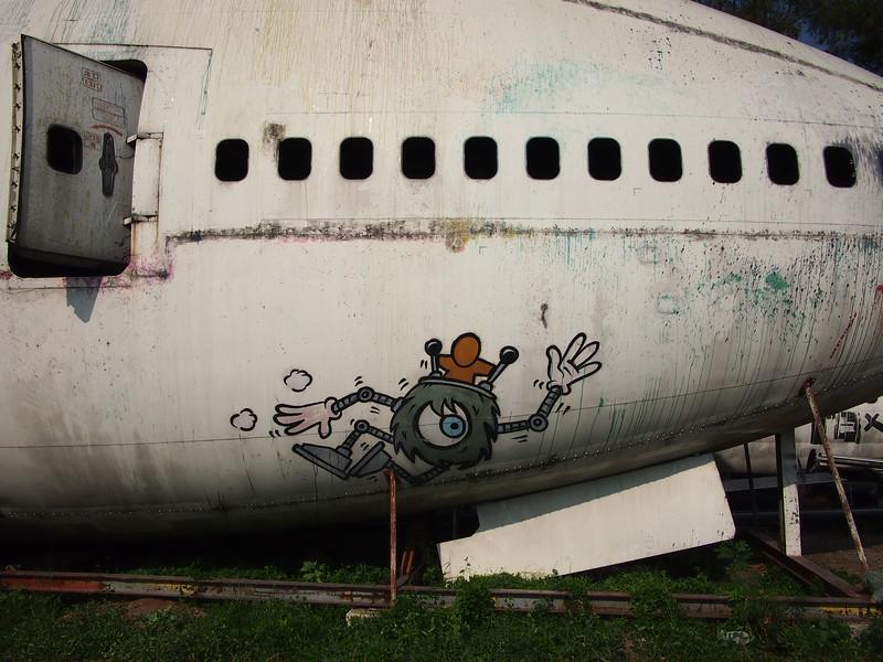P3042820-747-nose-graffiti.JPG