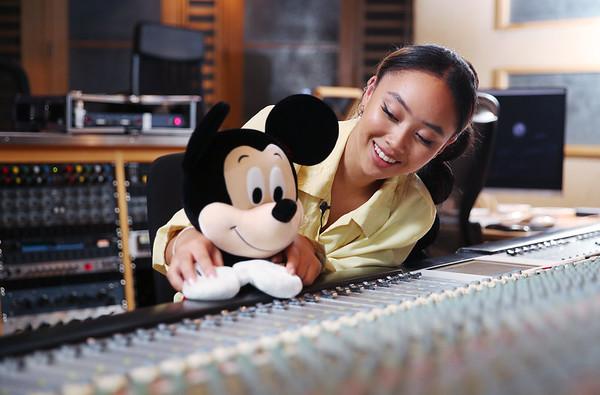 9/11/20 - Disney Christmas Advert