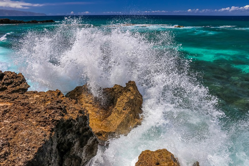 North Shore Wave Splash