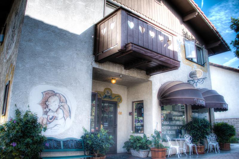 upstairs_salon-6-10.jpg