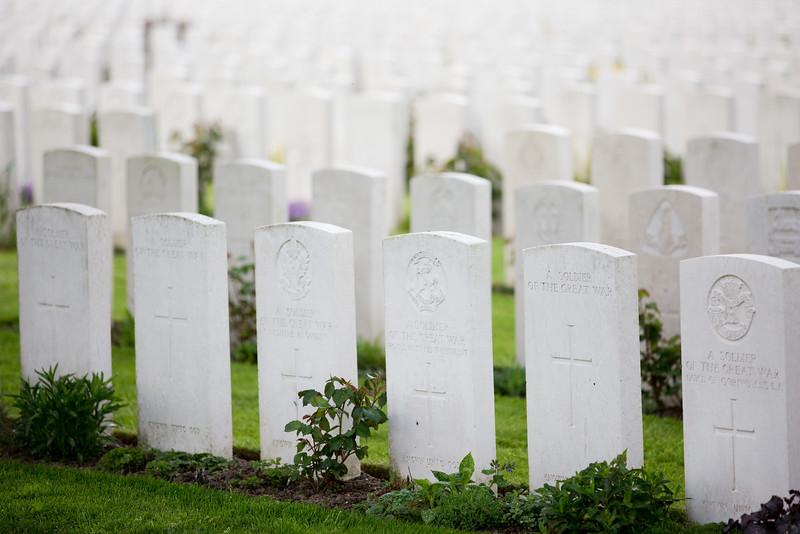 Ypres Tyne Cot Cemetery (4 of 123).jpg