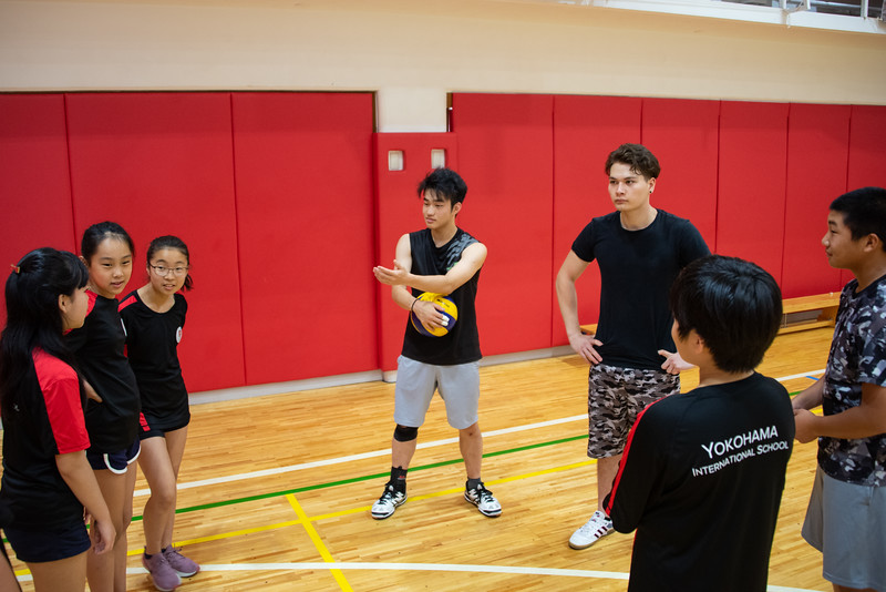 PE Leadership-Gr12 and Gr6 Volleyball Workshops-YIS_2523-2018-19.jpg