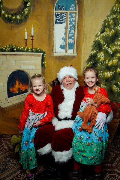 Pictures with Santa Earthbound 12.2.2017-034.jpg