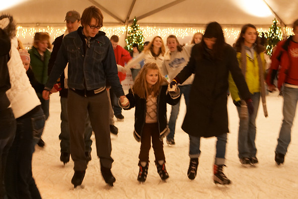 2008-12-12 - Ice Skating w/ Wil, Jacque, etc