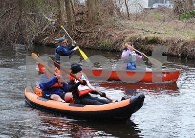 Hockanum River Canoe Race 040112