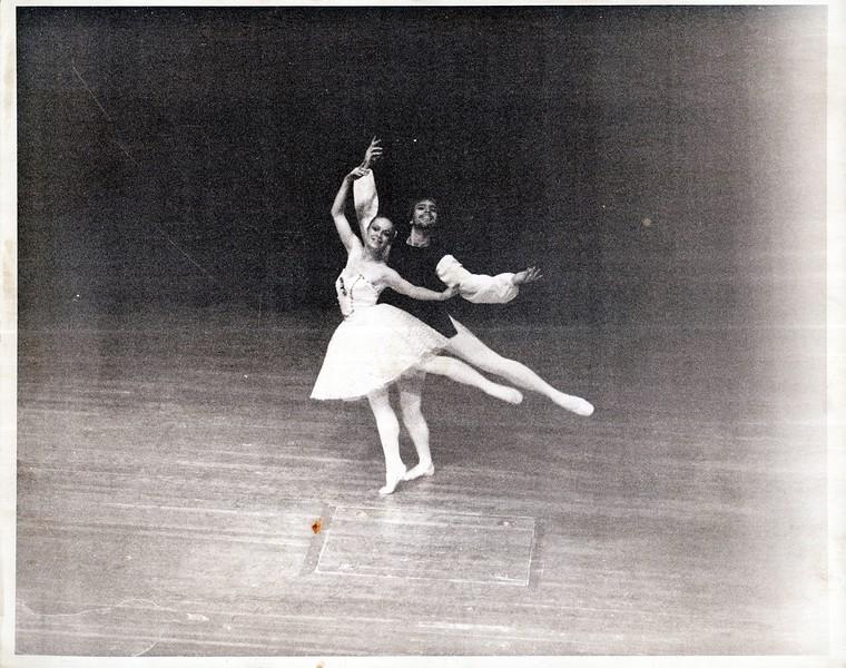 Dance_2826_a.jpg