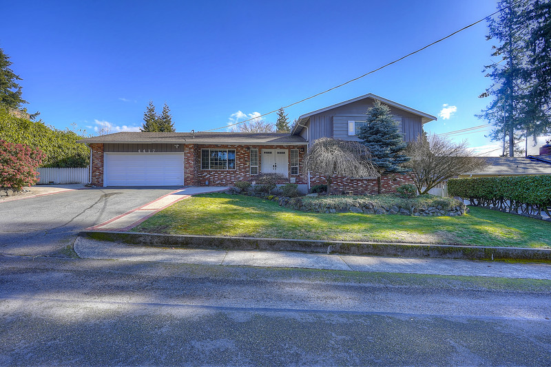 Curtis Gibson - Exteriors - 4417 69th Ave Ct. W.