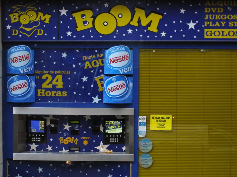 Store front in Bilbao. (Dec 10, 2007, 08:03am)