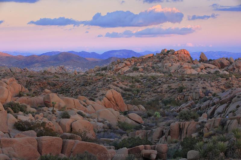 Joshua_Tree_Jumbo_Rocks_Hexie_Mountain_View.jpg