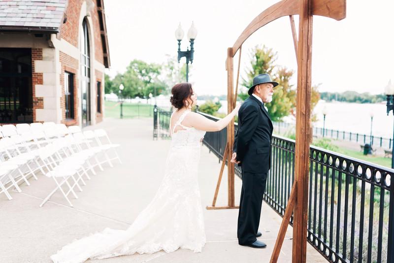 chateau-on-the-river-trenton-michigan-wedding-0087.jpg