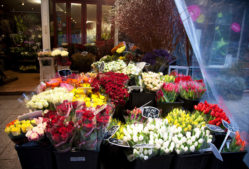 rue_cler_flowers.jpg