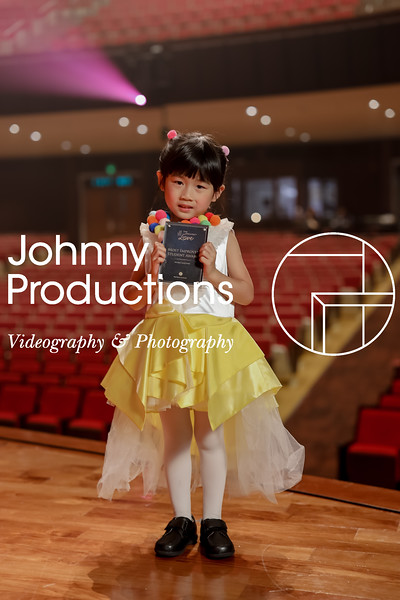 0012_day 1_award_red show 2019_johnnyproductions.jpg