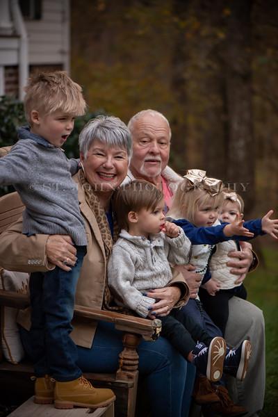 2019 November Ellis Family-278-121.jpg