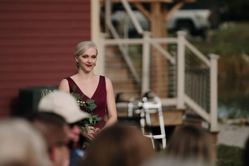 rustic_ohio__fall_barn_wedding-201.jpg