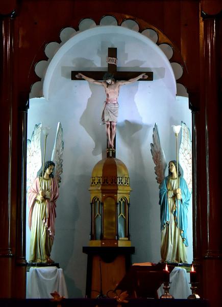 2016 P Varas Christ sacred heart  cu altar verticle best .jpg