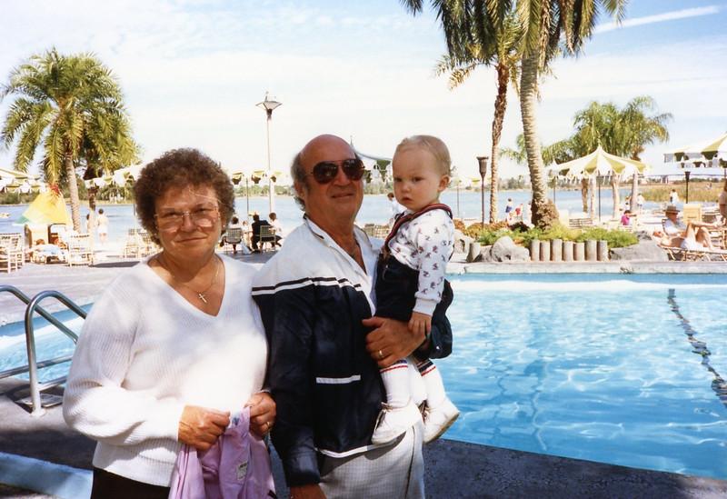 family pics 065.jpg