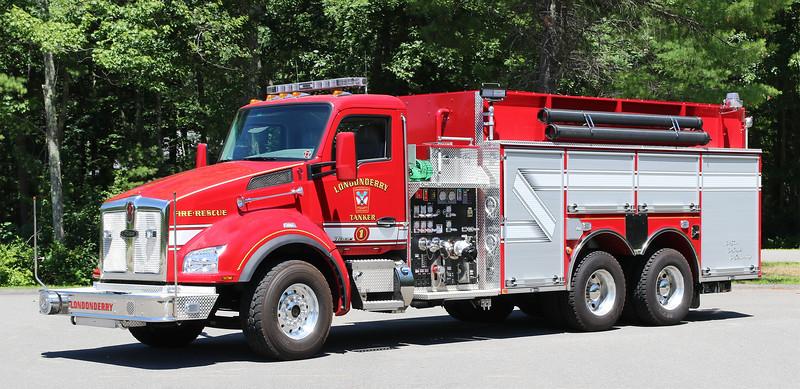 Tanker 1.  2015 Kenworth / Pierce   1250 / 2500