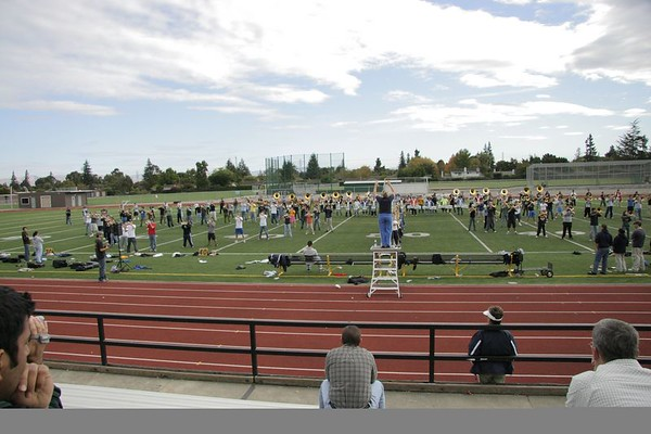 UCLA Band rehearses at MVHS 10-28-06