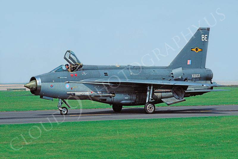 BAC Lightning 00001 BAC Lightning British RAF XS933 August 1989 RAF Binbrook via African Aviation Slide Service.JPG