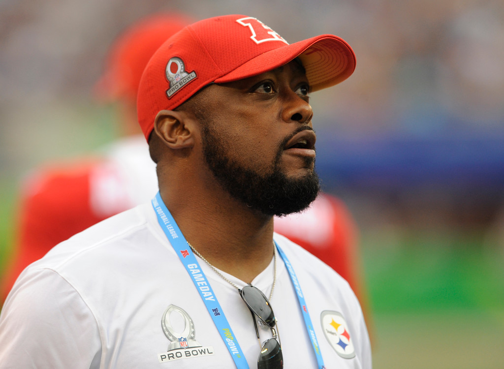 . AFC head coach Mike Tomlin of the Pittsburgh Steelers, watches his team, during the second half of the NFL Pro Bowl football game against the NFC, Sunday, Jan. 28, 2018, in Orlando, Fla. (AP Photo/Steve Nesius)