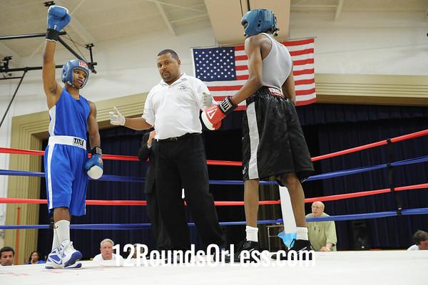Bout 11 Juan Jones, Blue Steel BC, Akron -vs- Glen Mitchel, Boards BC, Knoxville, 132 lbs