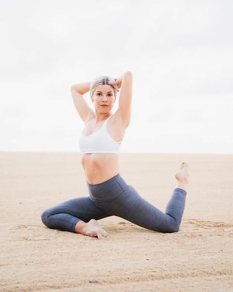 Hawaii - Madeleine Russick - Yoga-200.jpg