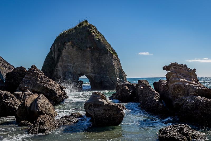 Steinbogen an der «South Wharariki Beach»