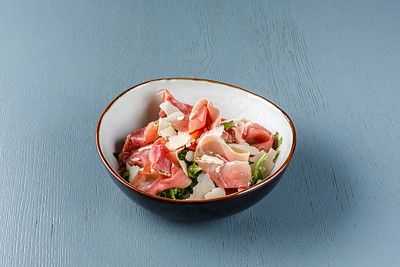4.1 Салат из рукколы с прошутто