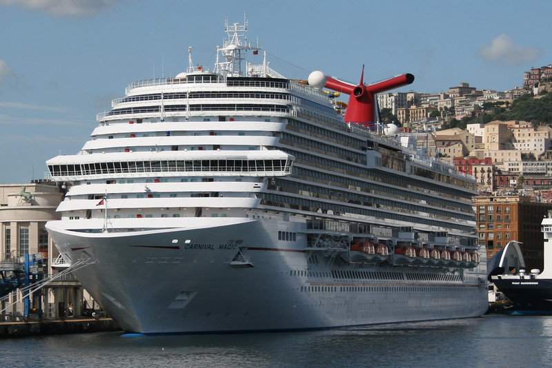 2011 - CARNIVAL MAGIC in Napoli.