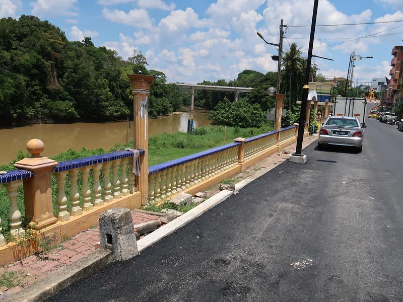 IMG_5119-river-front.JPG