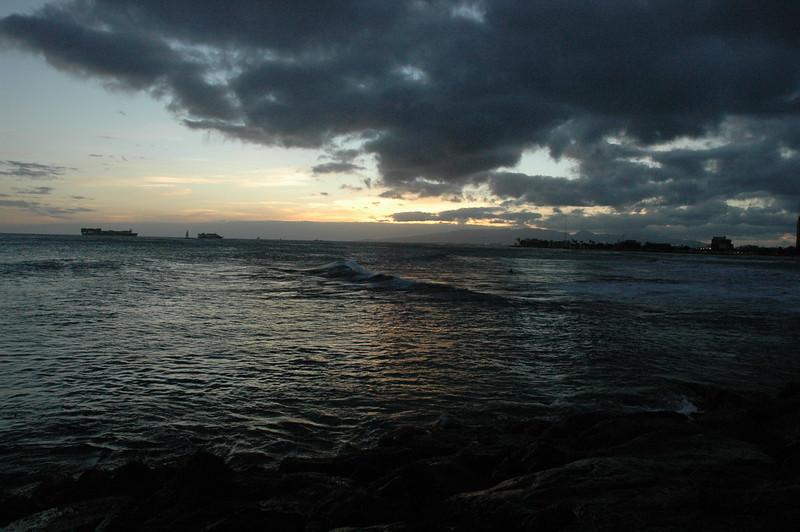 Hawaii - Ala Moana Beach Sunset-112.JPG
