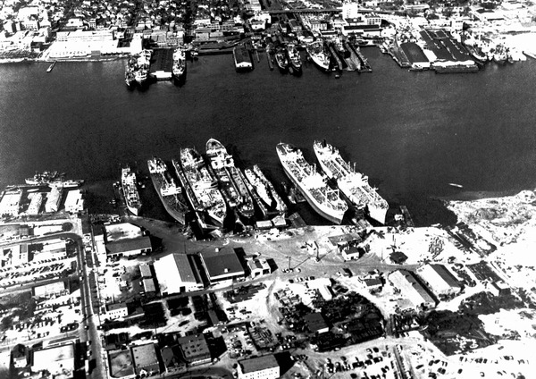 Aerial view of Gibbs Corporation shipyard during the 1950s, looking towards the north. Courtesy of State Archives of Florida, Florida Memory, http://floridamemory.com/items/show/142071