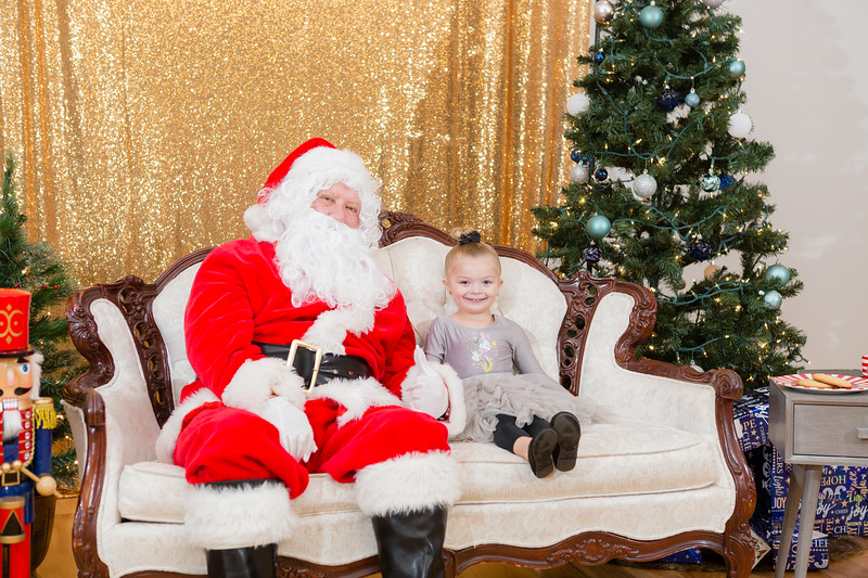 FADS Picture with Santa-296.jpg