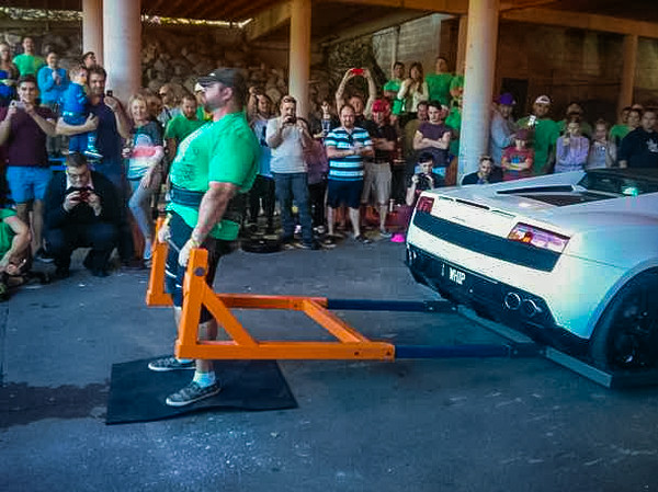 Car Deadlifting at the Capalaba Strongman. Photo courtesy Jamie Reimers.