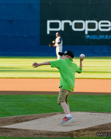 1st Pitch at the Tacoma Rainers Game 2010
